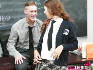fresh student slapped by her teacher