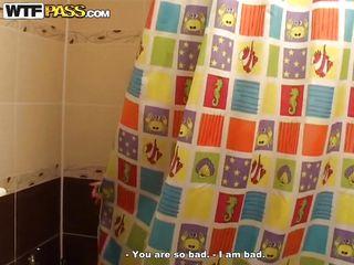 extreme courtesan sucks rod in the shower