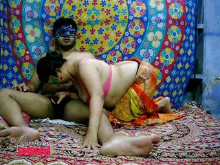 velamma bhabhi sucks her man's ramrod previous to getting fucked