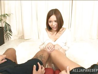 big breasted japanese pretty loves to watch guys masturbate