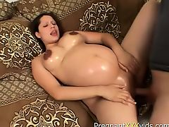 Pregnant doxy gets up to fuck