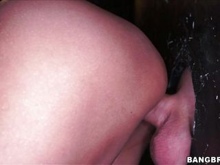 raven-haired chick stuffed with glory opening dick