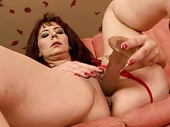 Big Cock for Horny Brunette Mature in Hardcore Sex Vid