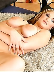Jizzing her big juggs