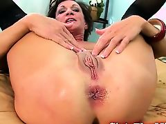 Mature amateur keen to anal sex
